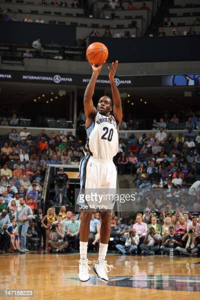 Quincy Pondexter of the Memphis Grizzlies takes a jump shot against the Los Angeles Clippers on April 9 2012 at FedExForum in Memphis Tennessee NOTE...