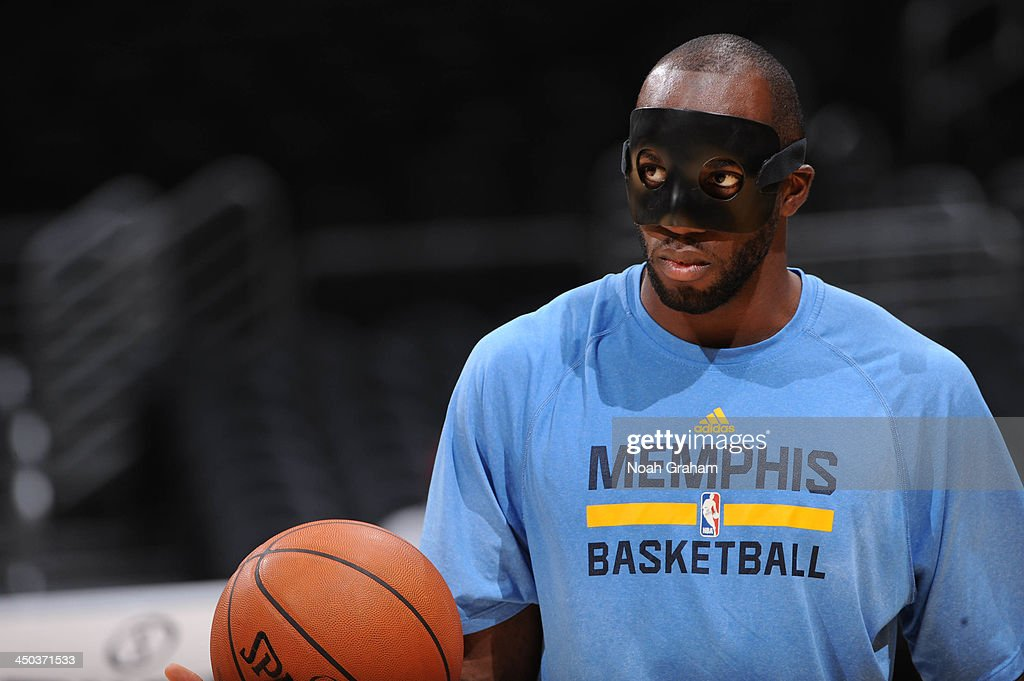 <a gi-track='captionPersonalityLinkClicked' href=/galleries/search?phrase=Quincy+Pondexter&family=editorial&specificpeople=4176540 ng-click='$event.stopPropagation()'>Quincy Pondexter</a> #20 of the Memphis Grizzlies warms up before facing the Los Angeles Lakers at Staples Center on November 15, 2013 in Los Angeles, California.