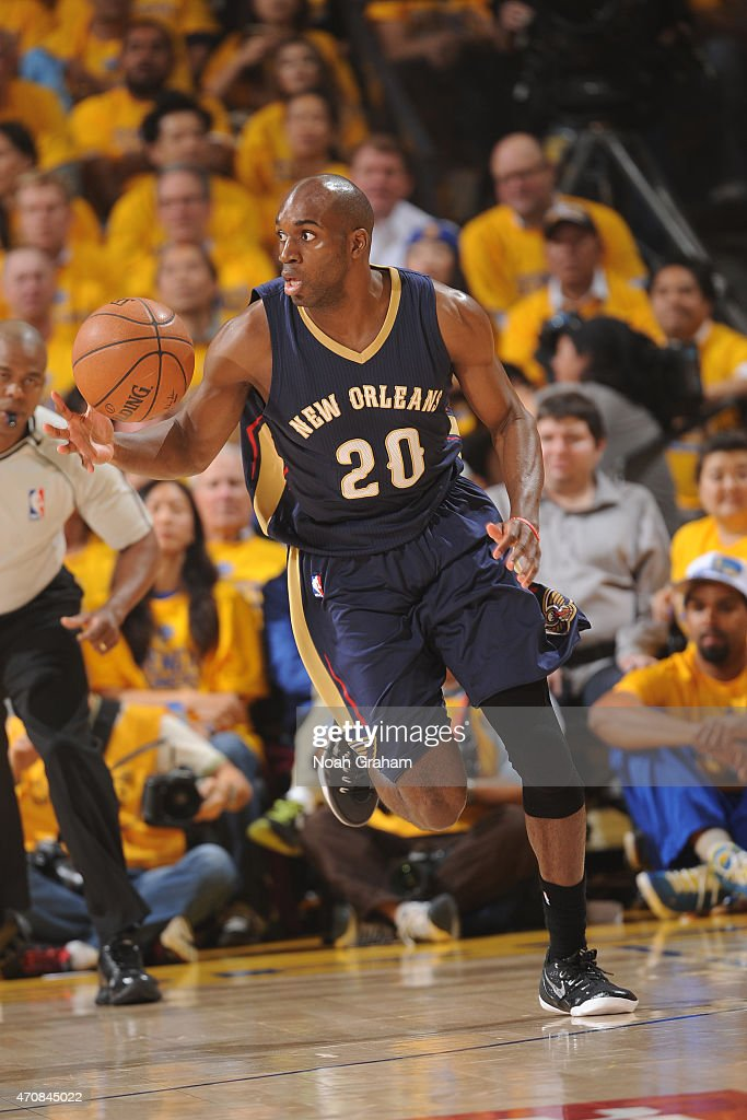 Quincy Pondexter of the New Orleans Pelicans dribbles the ball during Game Two of the Western Conference Quarterfinals against the Golden State...