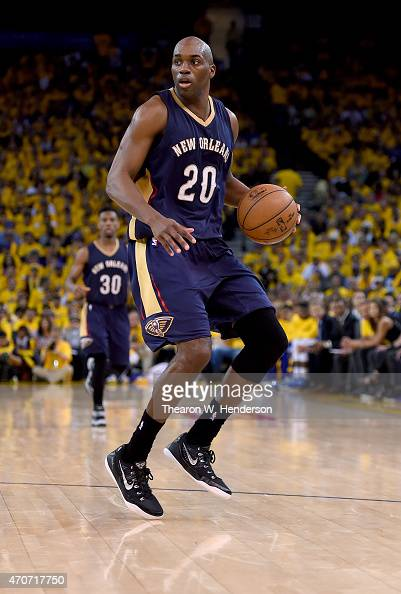 Quincy Pondexter of the New Orleans Pelicans dribbles the ball against the Golden State Warriors in the fourth quarter during the first round of the...