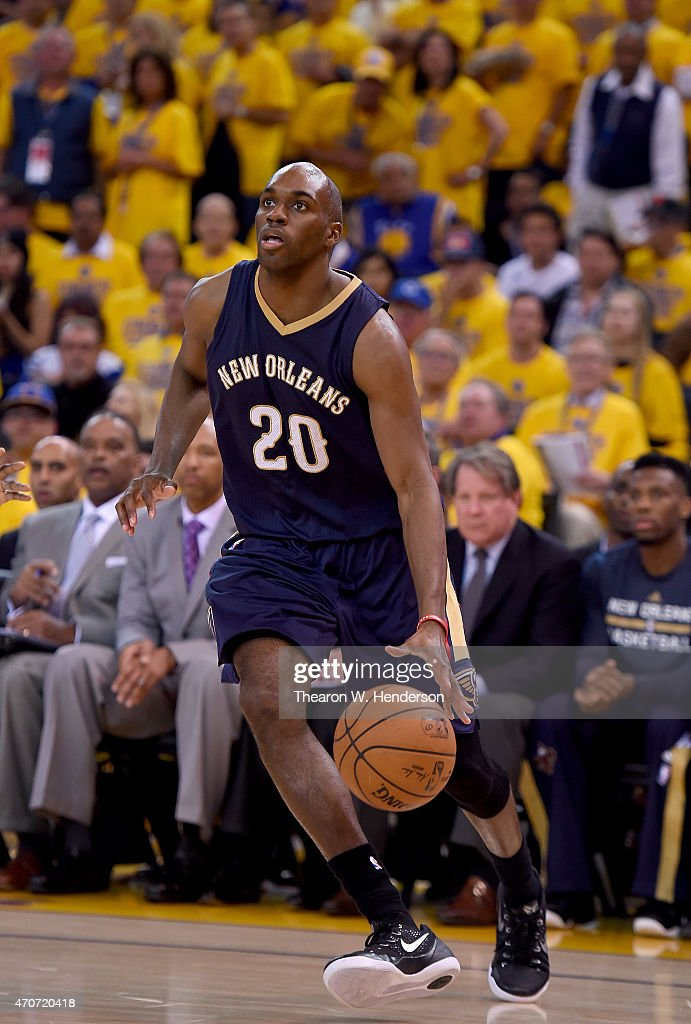 Quincy Pondexter of the New Orleans Pelicans drives towards the basket against the Golden State Warriors in the third quarter during the first round...