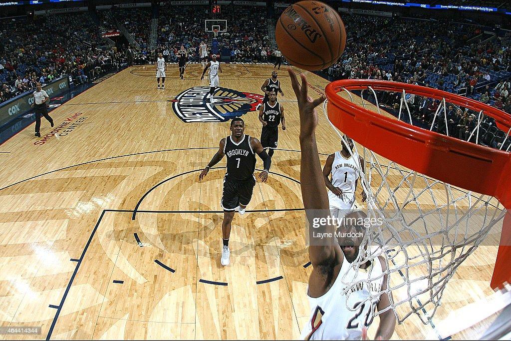 Quincy Pondexter of the New Orleans Pelicans shoots the ball against the Brooklyn Nets during the game on February 25 2015 at the Smoothie King...