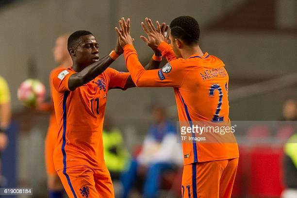 Amsterdam Netherlands European Qualifiers WMQualifikation Europa Group A Matchday 3 Niederlande Frankreich 01 Quincy Promes wechselt mit Memphis Depay