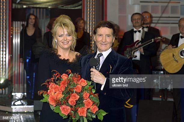 Quinn Freddy * Schlagersaenger Schauspieler Oesterreich mit Eva Herman in Schmidts Tivoli anlaesslich der Gala zu seinem 70 Geburtstag