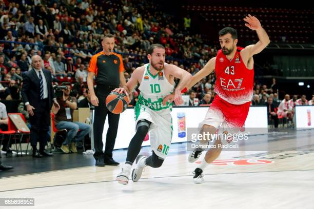 Quino Colom #10 of Unics Kazan competes with Krunoslav Simon #43 of EA7 Emporio Armani Milan during the 2016/2017 Turkish Airlines EuroLeague Regular...