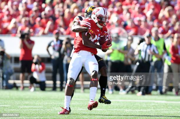 Quintez Cephus of the Wisconsin Badgers catches the ball against the Maryland Terrapins at Camp Randall Stadium on October 21 2017 in Madison...