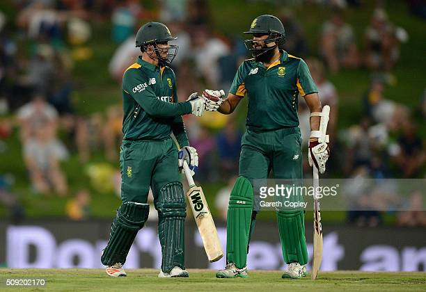 Quinton de Kock and Hashim Amla of South Africa during the 3rd Momentum ODI match between South Africa and England at Supersport Park on February 9...