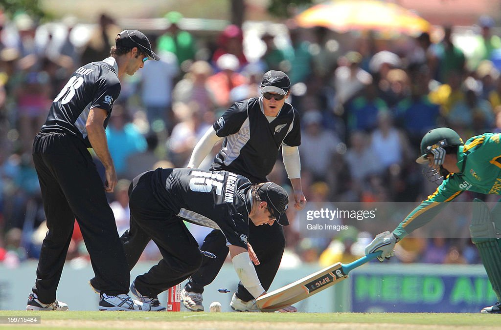 Quinton de Kock from the Proteas just get back during the 1st One Day International match between South Africa and New Zealand at Boland Park on January 19, 2013 in Paarl, South Africa
