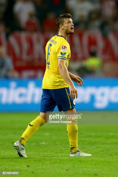 Quirin Moll of Braunschweig walks off the pitch after his yellowred card during the Second Bundesliga match between Fortuna Duesseldorf and Eintracht...