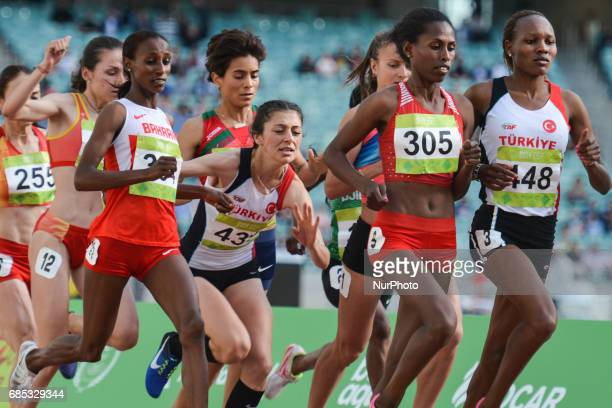 Rababe Arafi of Morocco controles the race from the beginning in Women's 1500m final during day four of Athletics at Baku 2017 4th Islamic Solidarity...