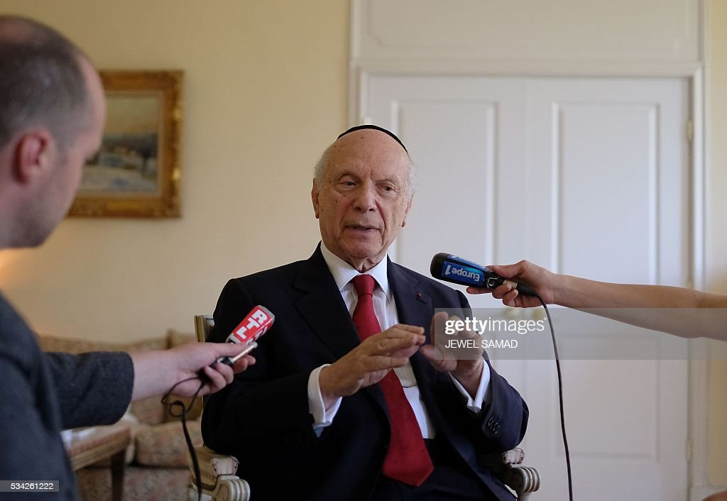 Rabbi Arthur Schneier, the President and Founder of The Appeal of Conscience Foundation, an interfaith organization, speaks to the media after announcing that French President Francois Hollande will receive the 2016 World Statesman Award, at the French Consulate in New York on May 25, 2016. / AFP / JEWEL