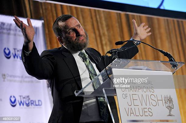 Rabbi Shmuley Boteach speaks on stage during World Jewish Values Network second annual gala dinner on May 18 2014 in New York City