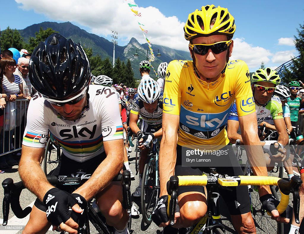 Race leader <a gi-track='captionPersonalityLinkClicked' href=/galleries/search?phrase=Bradley+Wiggins&family=editorial&specificpeople=182490 ng-click='$event.stopPropagation()'>Bradley Wiggins</a> of Great Britain and SKY Procycling lines up beside team mate World Road Race Champion <a gi-track='captionPersonalityLinkClicked' href=/galleries/search?phrase=Mark+Cavendish&family=editorial&specificpeople=684957 ng-click='$event.stopPropagation()'>Mark Cavendish</a> (r) of Great Britain at the start of stage eleven of the 2012 Tour de France from Albertville to La Toussuire on July 12, 2012 in La Toussuire, France.