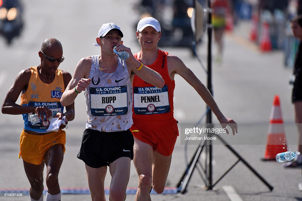Race leaders <a gi-track='captionPersonalityLinkClicked' href=/galleries/search?phrase=Meb+Keflezighi&family=editorial&specificpeople=225084 ng-click='$event.stopPropagation()'>Meb Keflezighi</a>, <a gi-track='captionPersonalityLinkClicked' href=/galleries/search?phrase=Galen+Rupp&family=editorial&specificpeople=4076972 ng-click='$event.stopPropagation()'>Galen Rupp</a> and Tyler Pennel on course during the U.S Olympic Marathon Team Trials on February 13, 2016 in Los Angeles, California.