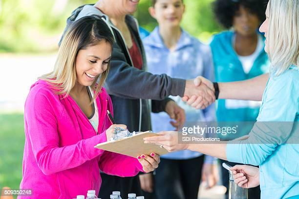 Raça participante registos para caridade corrida
