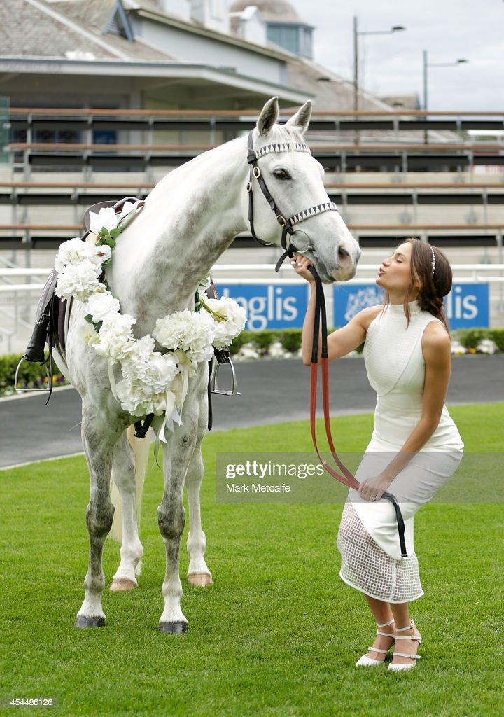 <a gi-track='captionPersonalityLinkClicked' href=/galleries/search?phrase=Rachael+Finch&family=editorial&specificpeople=5521670 ng-click='$event.stopPropagation()'>Rachael Finch</a> poses alongside a horse at the launch of the 2014 Sydney Spring Carnival at Royal Randwick Racecourse on September 2, 2014 in Sydney, Australia.