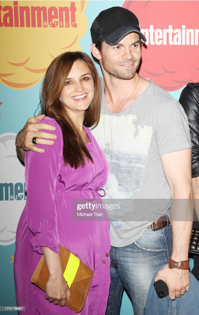 <a gi-track='captionPersonalityLinkClicked' href=/galleries/search?phrase=Rachael+Leigh+Cook&family=editorial&specificpeople=208121 ng-click='$event.stopPropagation()'>Rachael Leigh Cook</a> (L) and <a gi-track='captionPersonalityLinkClicked' href=/galleries/search?phrase=Daniel+Gillies&family=editorial&specificpeople=675058 ng-click='$event.stopPropagation()'>Daniel Gillies</a> arrive at the Entertainment Weekly's Annual Comic-Con celebration held at Float at Hard Rock Hotel San Diego on July 20, 2013 in San Diego, California.