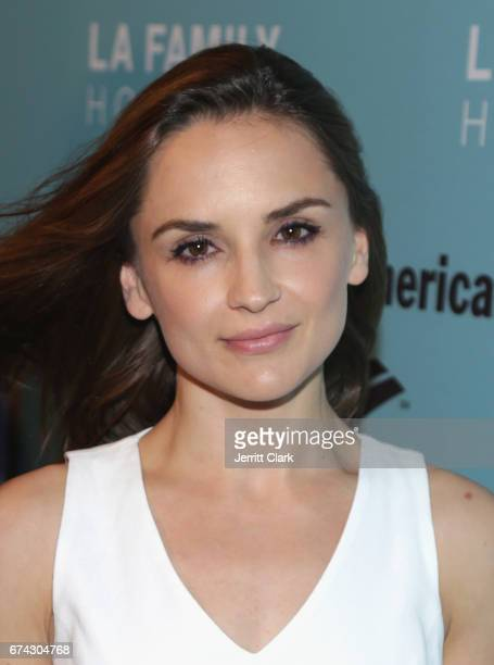 Rachael Leigh Cook attends the LA Family Housing 2017 Awards at The Lot on April 27 2017 in West Hollywood California