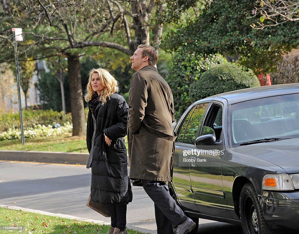 <a gi-track='captionPersonalityLinkClicked' href=/galleries/search?phrase=Rachael+Taylor+-+Actress&family=editorial&specificpeople=544685 ng-click='$event.stopPropagation()'>Rachael Taylor</a> and Teddy Sears filming on location for '666 Park Avenue' on November 6, 2012 in the Brooklyn borough of New York City.