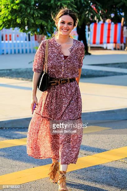 Rachel Bilson is seen at Brooklyn Bridge Park on July 21 2016 in New York New York