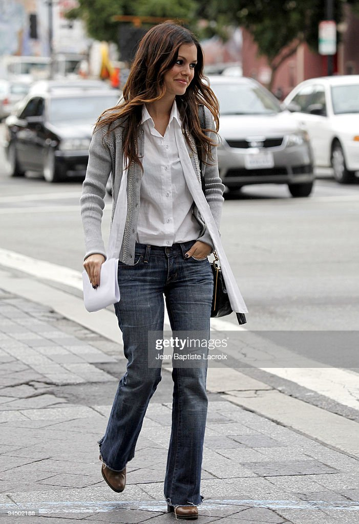 <a gi-track='captionPersonalityLinkClicked' href=/galleries/search?phrase=Rachel+Bilson&family=editorial&specificpeople=202655 ng-click='$event.stopPropagation()'>Rachel Bilson</a> sighting in Hollywood on December 15, 2009 in Los Angeles, California.