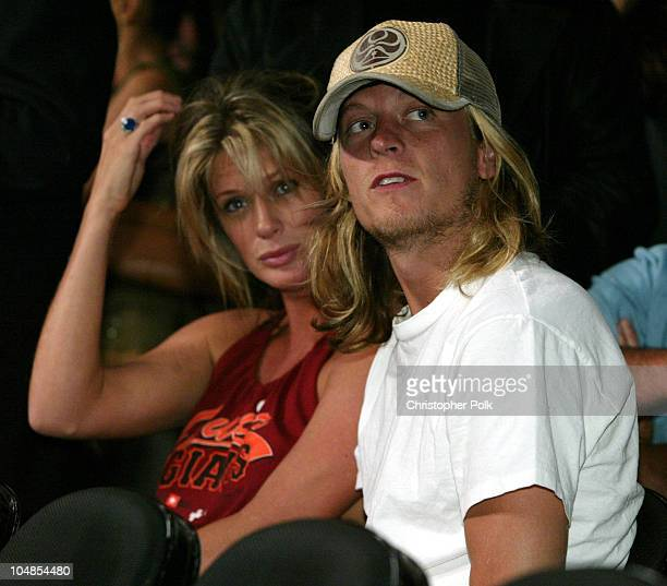 Rachel Hunter and Wes Scantlin of Puddle of Mudd during Lennox Lewis vs Vitali Klitschko Ringside at Staples Center in Los Angeles California United...