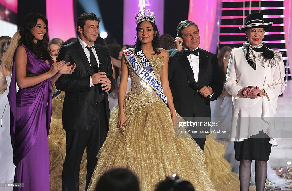 Rachel Legrain-Trapani, Miss France 2007, <a gi-track='captionPersonalityLinkClicked' href=/galleries/search?phrase=Patrick+Bruel&family=editorial&specificpeople=549816 ng-click='$event.stopPropagation()'>Patrick Bruel</a>, Valerie Begue, Miss France 2008, Host <a gi-track='captionPersonalityLinkClicked' href=/galleries/search?phrase=Jean-Pierre+Foucault&family=editorial&specificpeople=3169404 ng-click='$event.stopPropagation()'>Jean-Pierre Foucault</a> and <a gi-track='captionPersonalityLinkClicked' href=/galleries/search?phrase=Genevieve+de+Fontenay&family=editorial&specificpeople=2139929 ng-click='$event.stopPropagation()'>Genevieve de Fontenay</a> on December 8, 2007 in Dunkerque, France.