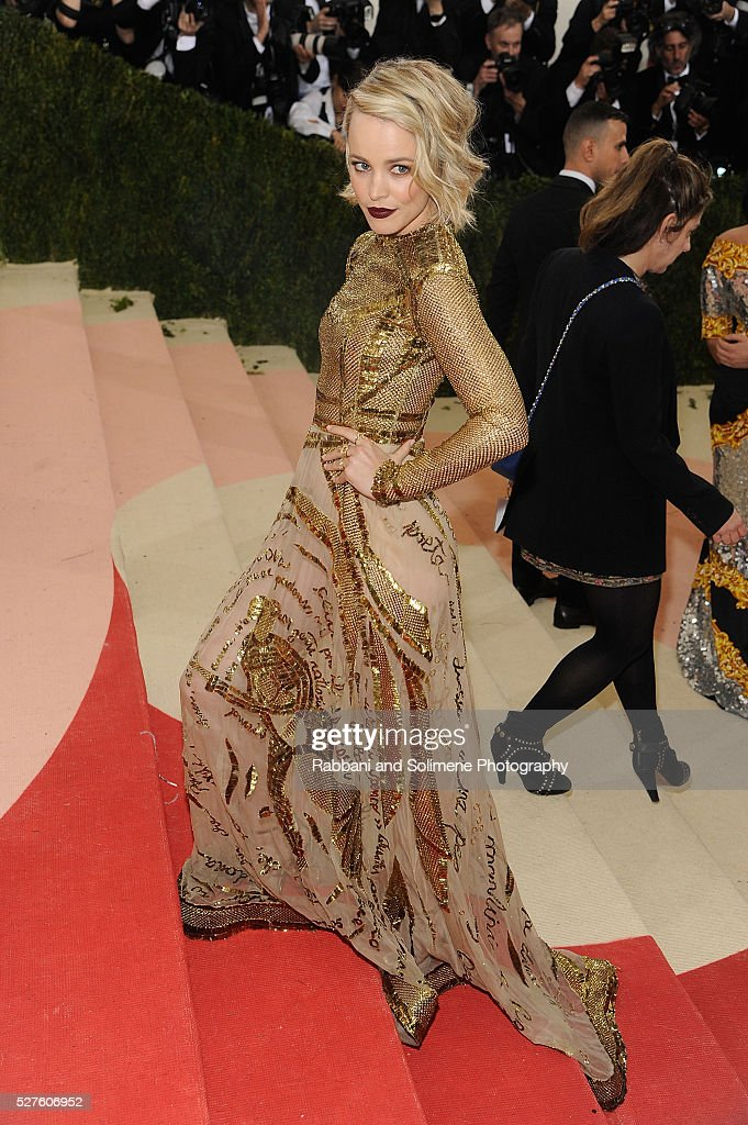 Rachel McAdams attends 'Manus x Machina: Fashion In An Age Of Technology' Costume Institute Gala at Metropolitan Museum of Art on May 2, 2016 in New York City.