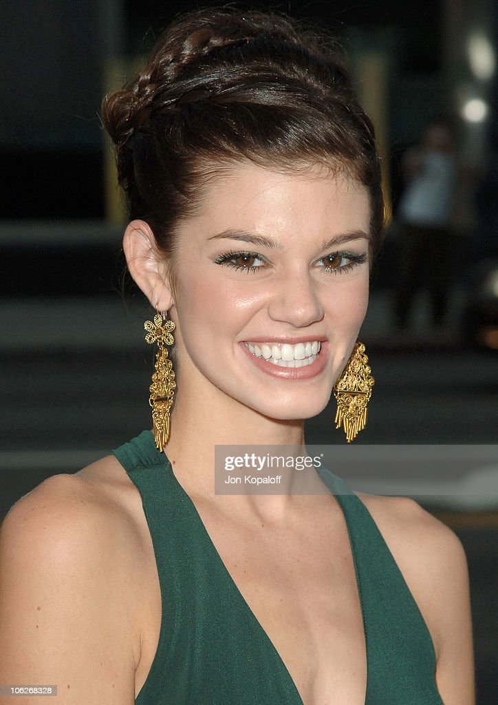 """In Her Shoes"" Los Angeles Premiere - Arrivals"