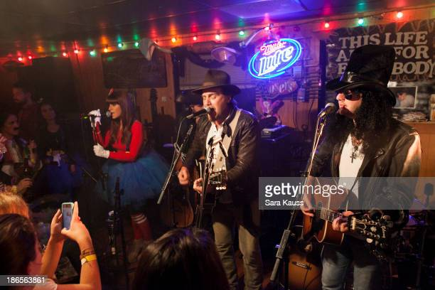 Rachel Reinert Tom Gossin Mike Gossin perform at the TJ Martell Foundation's Battle for the Bones for the Linds Sarcoma Fund at Losers Bar Grill on...