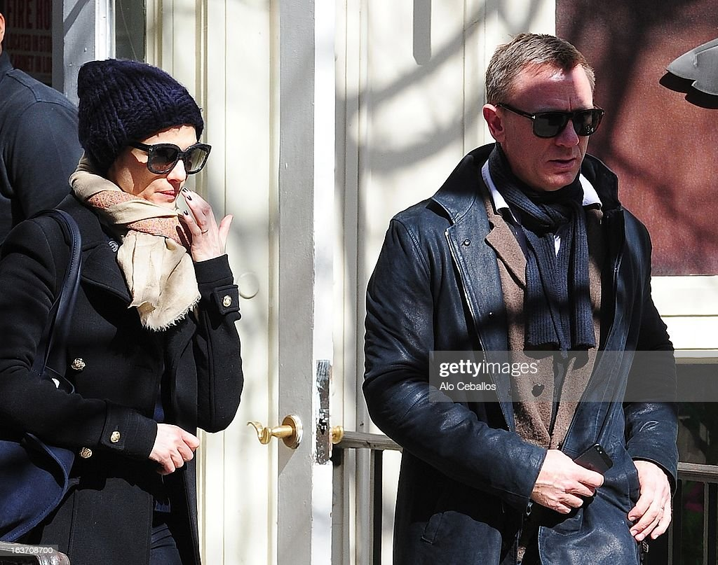 <a gi-track='captionPersonalityLinkClicked' href=/galleries/search?phrase=Rachel+Weisz&family=editorial&specificpeople=204656 ng-click='$event.stopPropagation()'>Rachel Weisz</a> and Daniel Craig are seen in the East Village on March 14, 2013 in New York City.