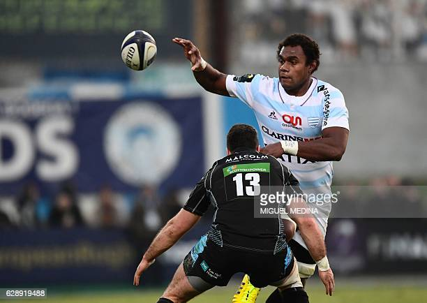 Racing Metro 92 Fijian lock Leon Nakarawa vies with Glasgow Warriors outside center Alex Dunbar during the European Rugby Champions Cup rugby union...