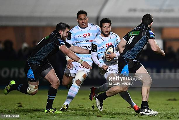 Racing Metro 92 French fullback Brice Dulin vies with Glasgow Warriors Scottish right wing Tommy Seymour during the European Rugby Champions Cup...