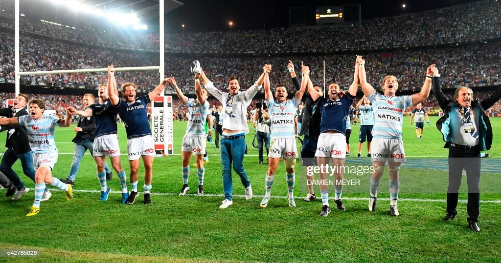 CORRECTION - Racing Metro 92 players celebrates after winning the French Top14 rugby union final match Toulon vs Racing 92 at the Camp Nou stadium in Barcelona on June 24, 2016. / AFP / DAMIEN