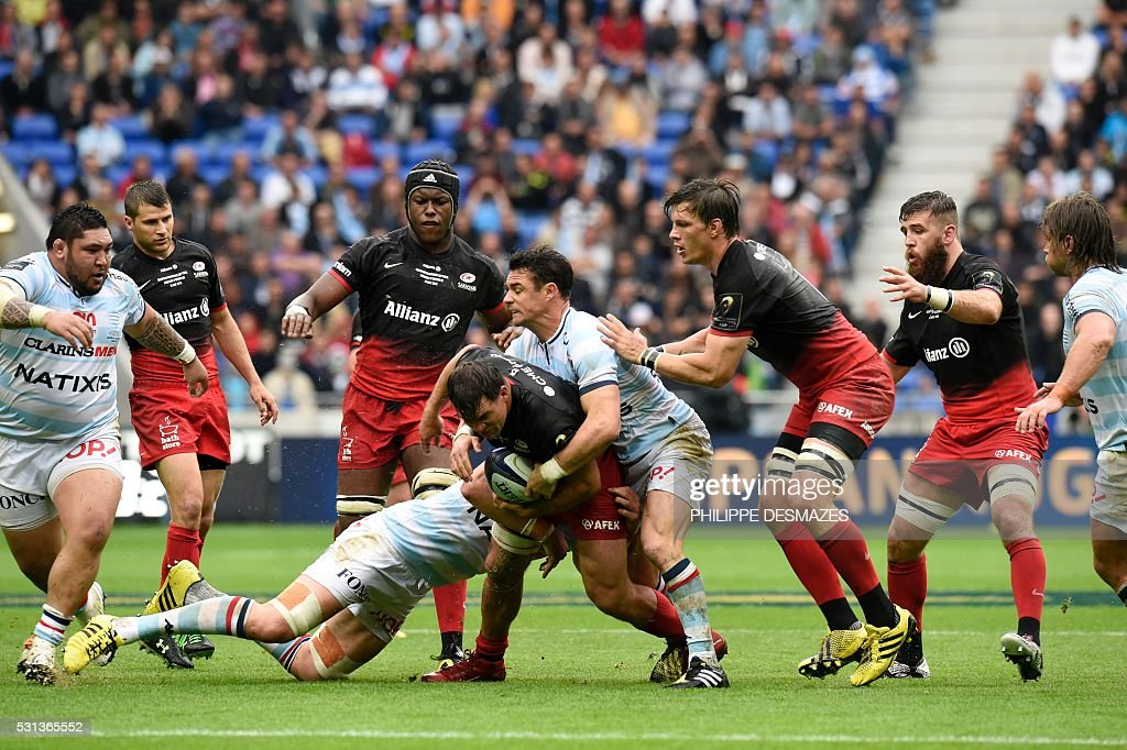 Racing Metro's Dan Carter vies for the ball during the European Rugby Champions Cup match beetween Racing Metro 92 and Saracens FC at the Parc...