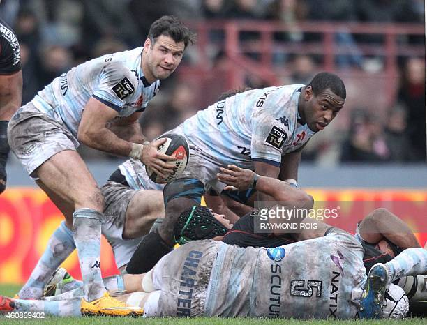 RacingMetro's scrumhalf Mike Phillips passes the ball during the French Top 14 rugby union match Toulouse vs Racing Metro 92 at the ErnestWallon...