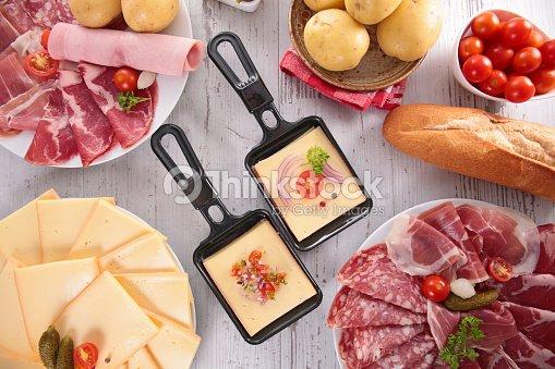 Raclette f te photo thinkstock - La table a raclette ...