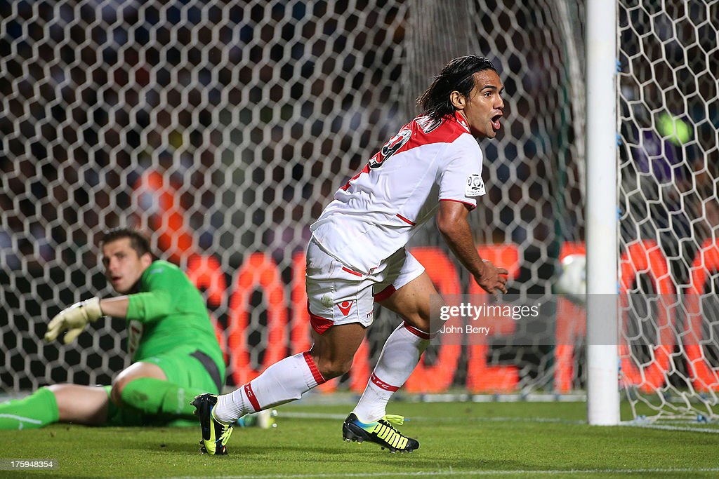 <a gi-track='captionPersonalityLinkClicked' href=/galleries/search?phrase=Radamel+Falcao&family=editorial&specificpeople=3022104 ng-click='$event.stopPropagation()'>Radamel Falcao</a> of AS Monaco celebrates his goal during the french Ligue 1 match between FC Girondins de Bordeaux and AS Monaco FC at the Stade Chaban-Delmas stadium on August 10, 2013 in Bordeaux, France.