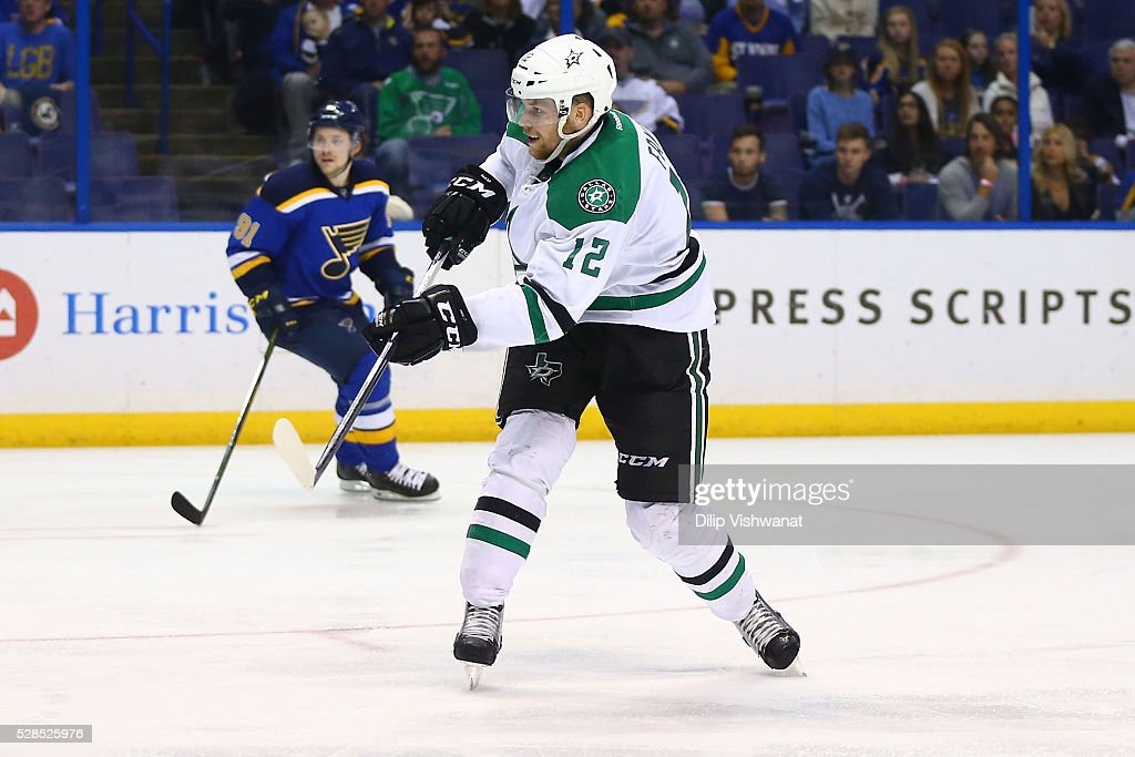 <a gi-track='captionPersonalityLinkClicked' href=/galleries/search?phrase=Radek+Faksa&family=editorial&specificpeople=8762901 ng-click='$event.stopPropagation()'>Radek Faksa</a> #12 of the Dallas Stars scores a goal against the St. Louis Blues in Game Four of the Western Conference Second Round during the 2016 NHL Stanley Cup Playoffs at the Scottrade Center on May 5, 2016 in St. Louis, Missouri.