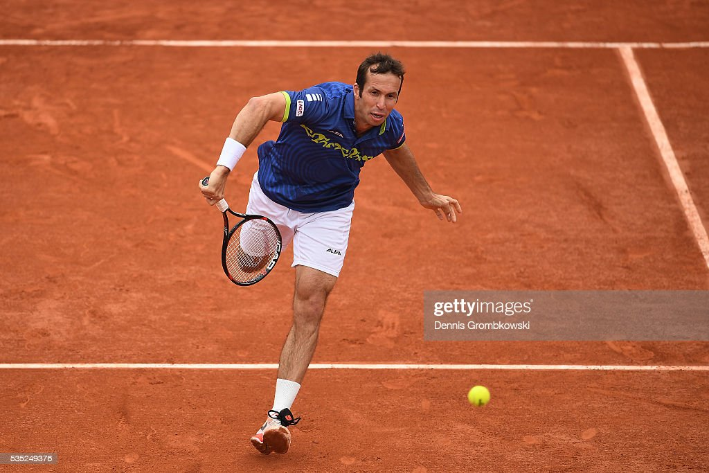 <a gi-track='captionPersonalityLinkClicked' href=/galleries/search?phrase=Radek+Stepanek&family=editorial&specificpeople=193842 ng-click='$event.stopPropagation()'>Radek Stepanek</a> of Czech Republic serves during the Men's Doubles third round match against Bob Bryan of the United States anf Mike Bryan of the United States on day eight of the 2016 French Open at Roland Garros on May 29, 2016 in Paris, France.