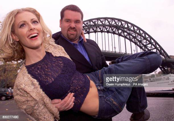 Radio 1 DJ Chris Moyles and Sky TV presenter Donna Air in Newcastle by the Tyne Bridge to launch the new Look 'Tube' A music programme which became...