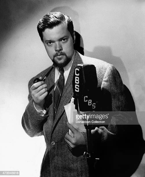 Radio actor producer writer and director of 'Mercury Theatre on the Air' Orson Welles poses for a CBS Radio publicity still circa 1938 in New York...