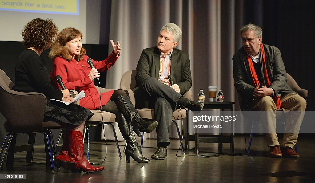 Radio host Alex Cohen (L) moderates a discussion with director <a gi-track='captionPersonalityLinkClicked' href=/galleries/search?phrase=Stephen+Frears&family=editorial&specificpeople=238980 ng-click='$event.stopPropagation()'>Stephen Frears</a> (R) and professors Diane Winston (2nd L) and Craig Detweiler (2nd R) before a Special Screening Of 'Philomena' hosted by the Museum Of Tolerance on December 19, 2013 in Los Angeles, California.