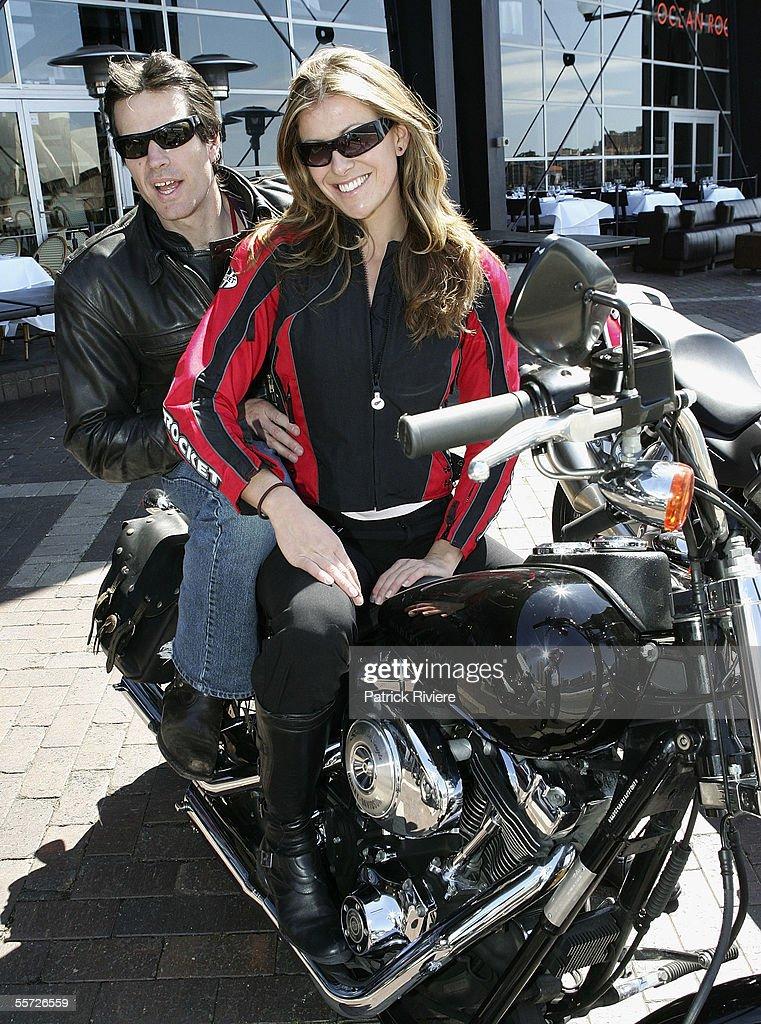 motociclista Miss Univers si Miss World, Australia