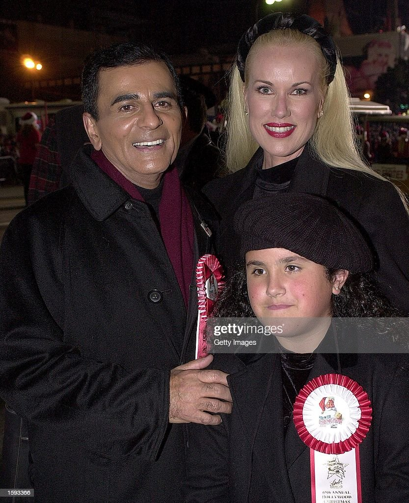 Radio legend <a gi-track='captionPersonalityLinkClicked' href=/galleries/search?phrase=Casey+Kasem&family=editorial&specificpeople=1545344 ng-click='$event.stopPropagation()'>Casey Kasem</a> arrives at the Hollywood Christmas Parade with his wife Jean and daughter Liberty, November 26, 2000 in Hollywood, CA.