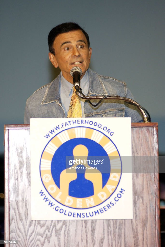Radio personality Casey Kasem gives a speech at the Golden Dads Awards ceremony at the Peterson Automotive Museum on June 15, 2005 in Los Angeles, California.