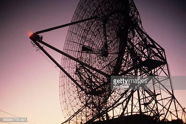 Radio telescope, close-up