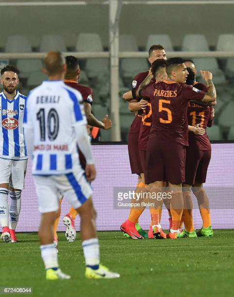 Radja Nainggolan of AS Roma celebrates after scoring the goal 02 during the Serie A match between Pescara Calcio and AS Roma at Adriatico Stadium on...