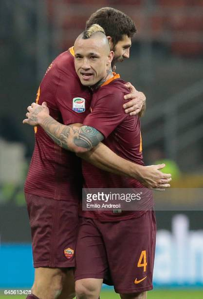 Radja Nainggolan of AS Roma celebrates the victory with his teammate Federico Fazio during the Serie A match between FC Internazionale and AS Roma at...
