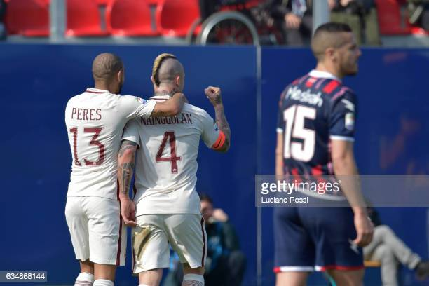 Radja Nainggolan of AS Roma celebrates with Bruno Peres after scorin a goal during the Serie A match between FC Crotone and AS Roma at Stadio...